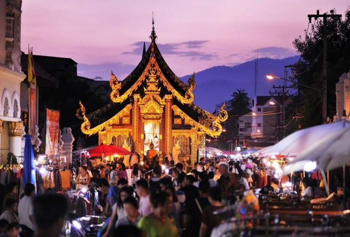Le marché de nuit du dimanche soir à Chiang Mai