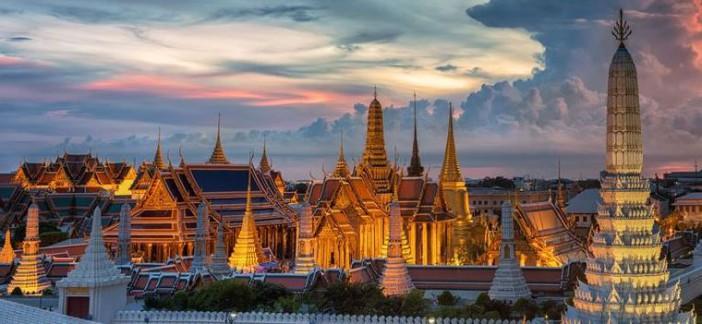 Le temple Wat Phra Khaew à Bangkok