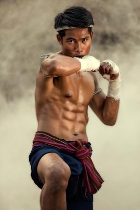 Préparation à un combat de Muay Thai