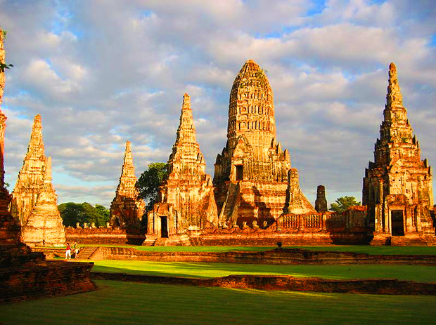 temple_ayutthaya_Wat_Chaiwatthanaram_thailande