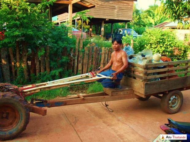 Tracteur agricole Thaï