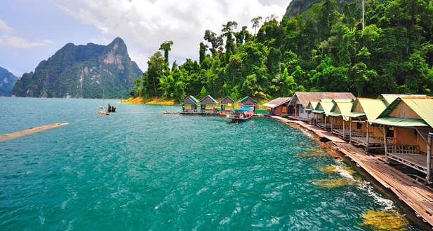 Bungalow sur le lac ratchaprapha à Khao Sok