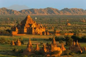 Les temples bouddhistes de Banang en Birmanie