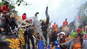 Fête de l'eau en Thaïlande : Songkran