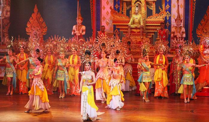 Spectacle à l'Alcatraz Cabaret à Pattaya