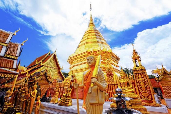 Le temple de Doi Suthep qui surplombe Chiang Mai