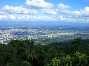 Ville de Chiang Mai vu du temple de Doi Suthep