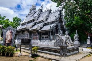 Le temple de Wat Sri Suphan à Chainag Mai