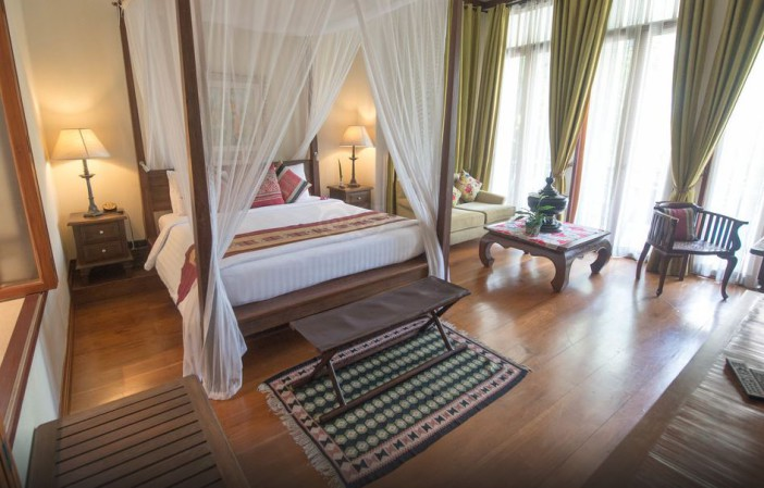Une chambre de l'hôtel Ariyasomvilla à Bangkok