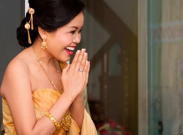 Position des mains pour dire merci en Thaïlandais